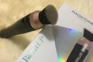Flawless Makeup with the Magnitone BlendUp Makeup Brush